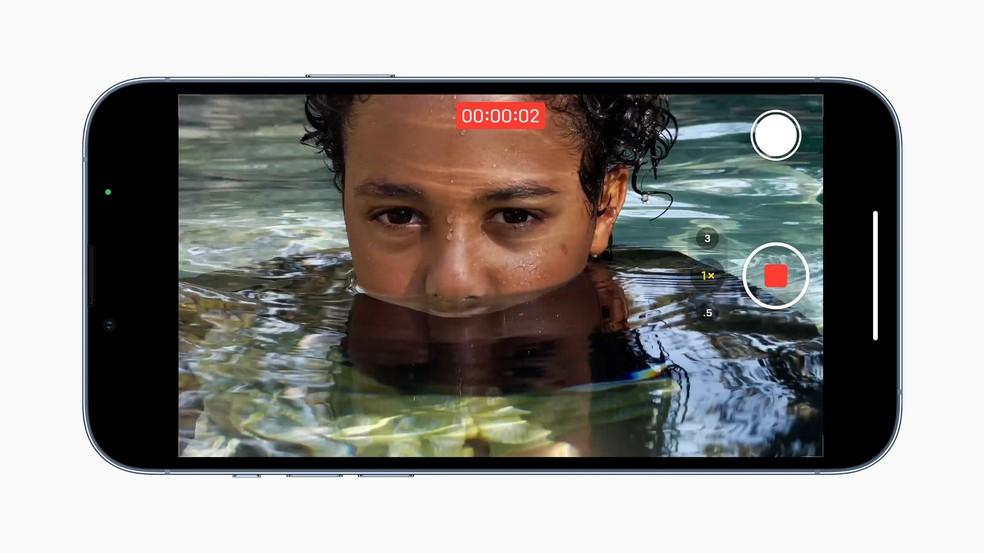 Sistema Dolby Vision, que permite gravar com maior riqueza de cores, ficou mais rápido no iPhone 13 — Foto: Divulgação/Apple