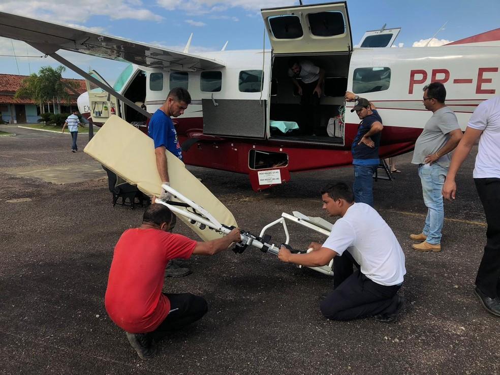 Outro avião partiu de Ourilândia para o local da queda em São Félix para resgatar os corpos (Foto: Wesley Costa)