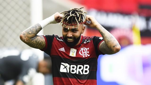 Gabigol, do Flamengo, comemora gol contra o Santos