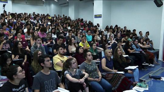 Vestibular da USP reúne quase 130 mil candidatos neste domingo (24)