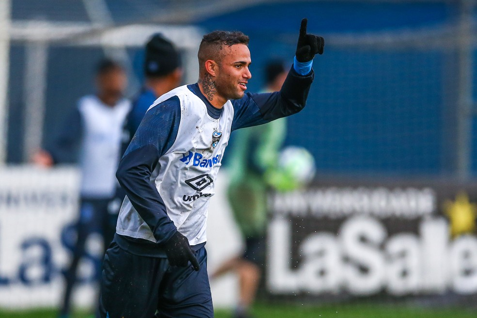 Luan acredita que time está em forma para enfrentar o Atlético-MG (Foto: Lucas Uebel / Grêmio F.B.P.A.)