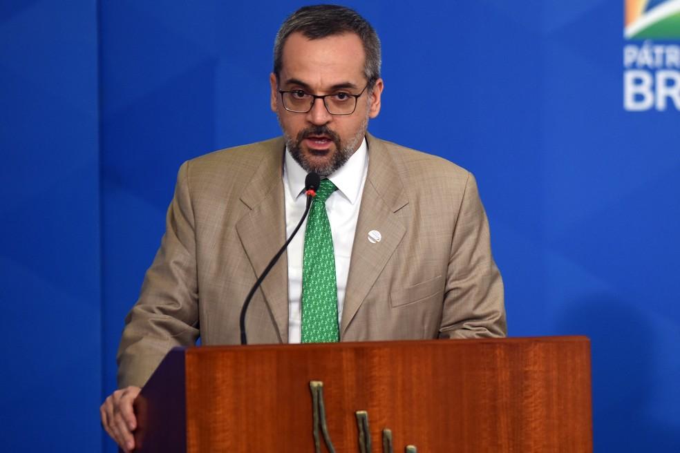 Ministro da Educação, Abraham Weintraub deixa o governo Bolsonaro