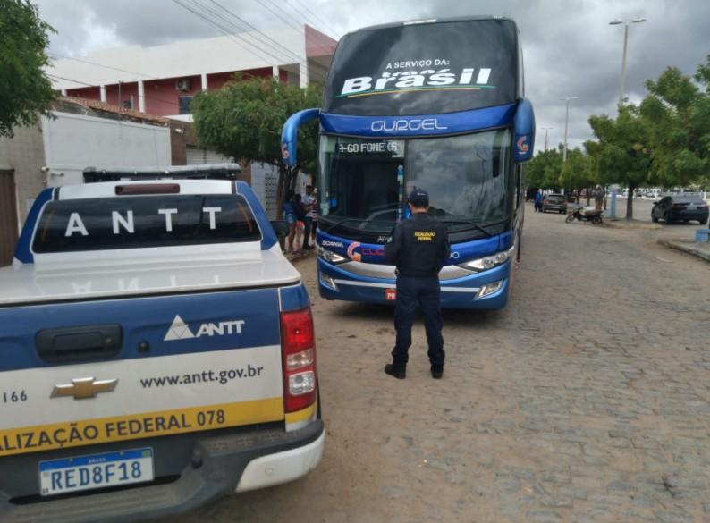 ANTT interdita duas agências de viagens e apreende ônibus clandestino em cidade do interior do Ceará