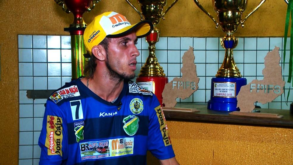 Bruno fala sobre momento na prisão (Foto: TV Clube)