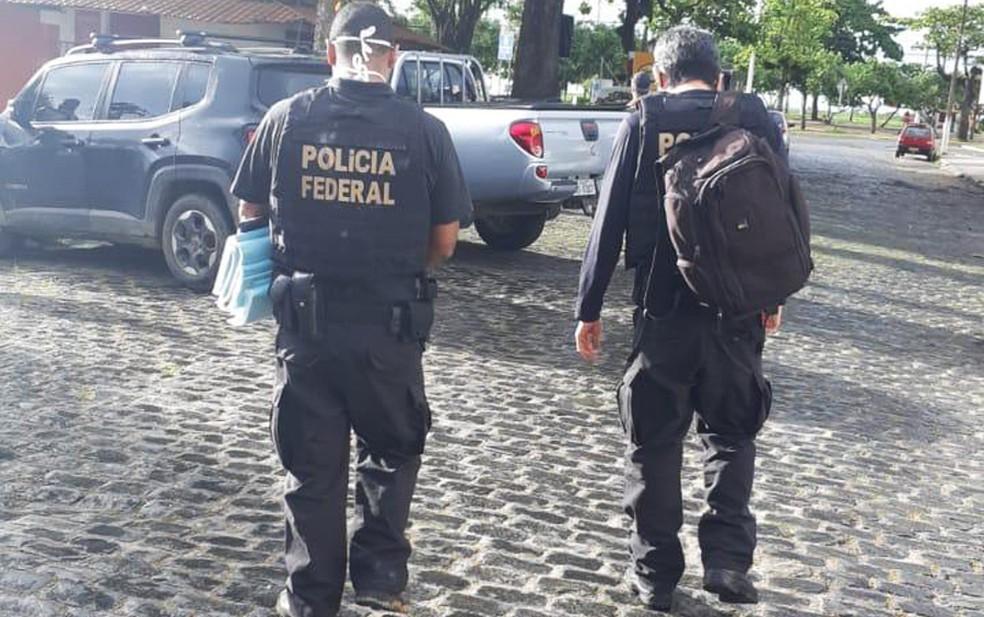 Opera visa cumprir mandados de busca e apreensão contra advogado, em Ilhéus — Foto: Divulgação/Polícia Federal
