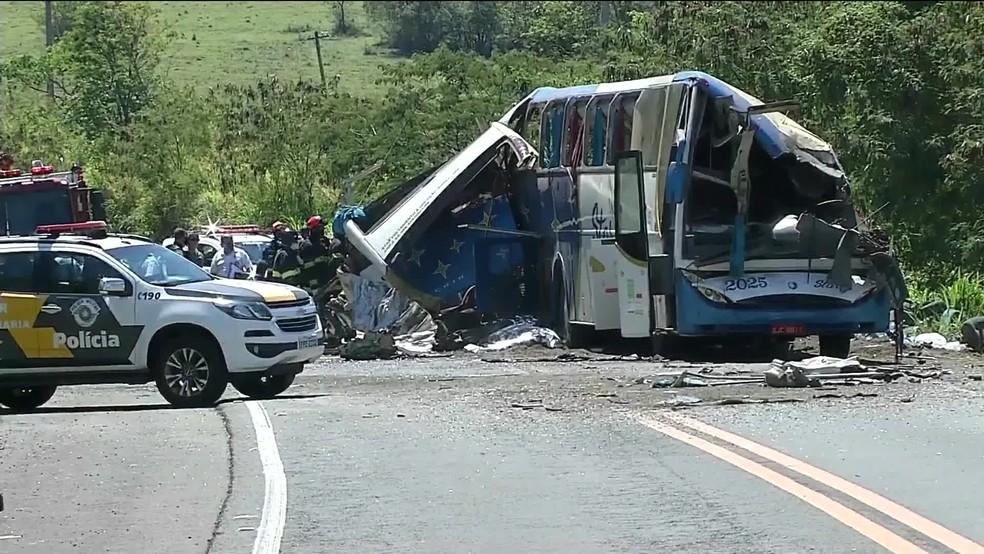 Acidente em Taguaí, no interior de SP — Foto: Reprodução/GloboNews