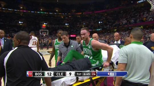 Reforço dos Celtics, Hayward sofre grave lesão na estreia contra os Cavaliers