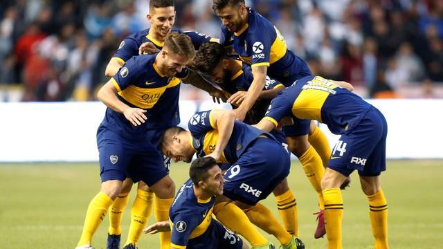 Jogadores do Boca Juniors comemoram o segundo gol contra a LDU
