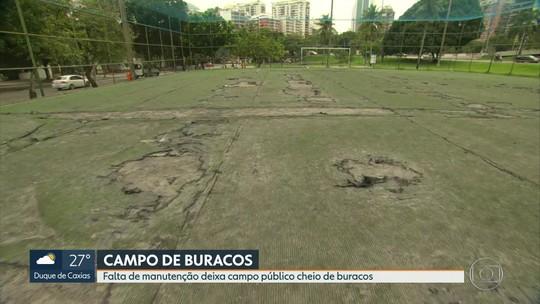 Campo de futebol público na Lagoa está cheio de buracos