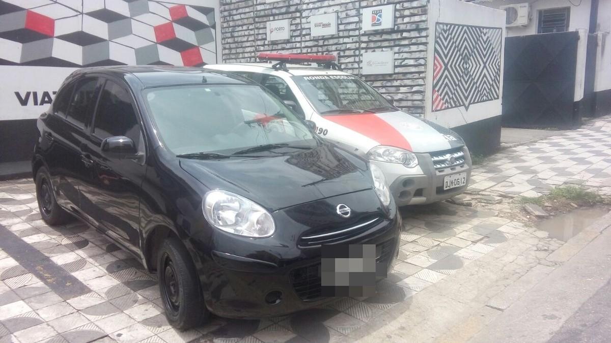 Mulher é presa com carro comprado com documentos furtados em Suzano