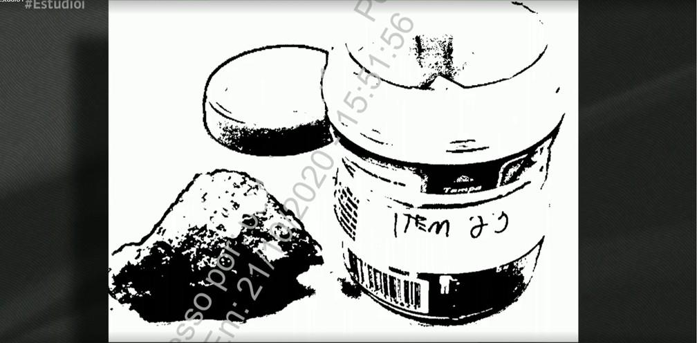 PF apreendeu na casa do senador Chico Rodrigues pedra que suspeita ser pepita de ouro — Foto: Reprodução/GloboNews