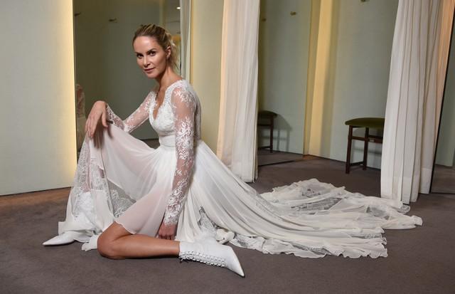 Babi Beluco na prova final do vestido de noiva (Foto: divulgação/ Lu Prezia)