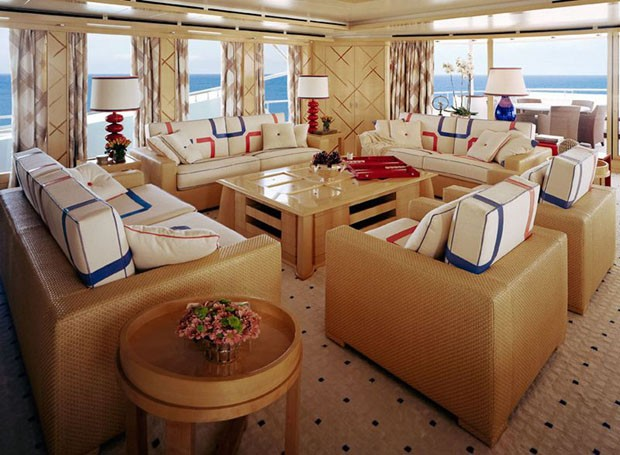Interior do iate Oceanco Motor