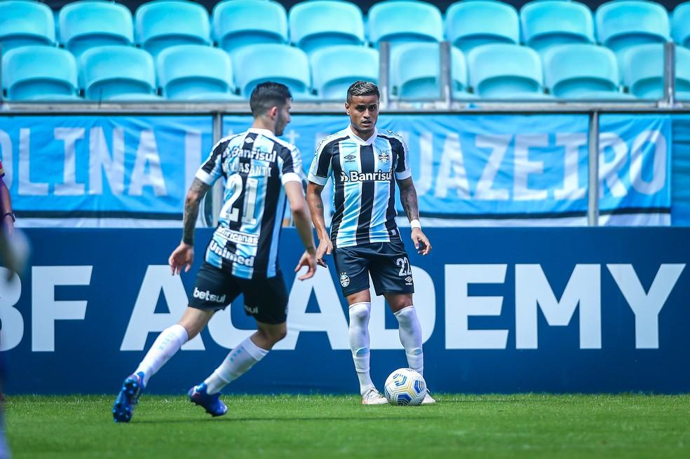 Everton volta a jogar pelo Grêmio — Foto: Lucas Uebel/Grêmio