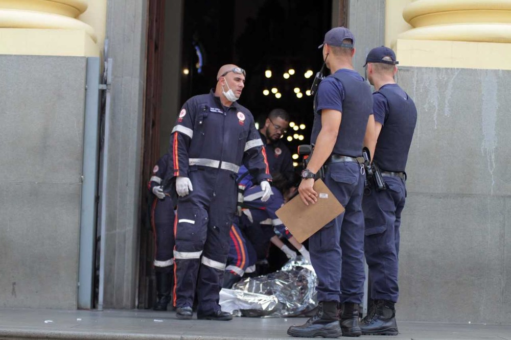 Homem mata quatro e comete suicídio durante missa na Catedral de Campinas 1