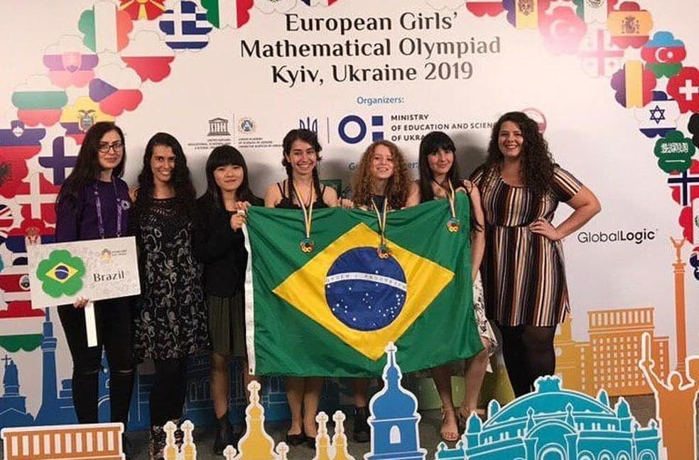 Da esquerda para a direita: Luize Viana, Bruna Shoji Mariana Groff, Maria Clara, Ana Beatriz e Deborah Alves — Foto: Impa/Divulgação