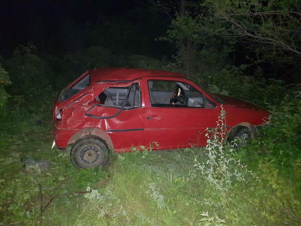 Bebê morre e seis pessoas ficam gravemente feridas em acidente na BR-304, em Angicos, no RN (Foto: PRF/Divulgação)