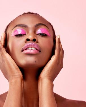 Confira 5 dicas de make para pele negra