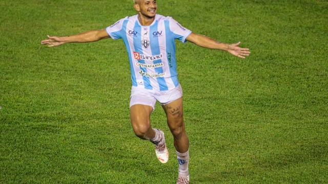 Danrlei comemora o segundo gol do Papão
