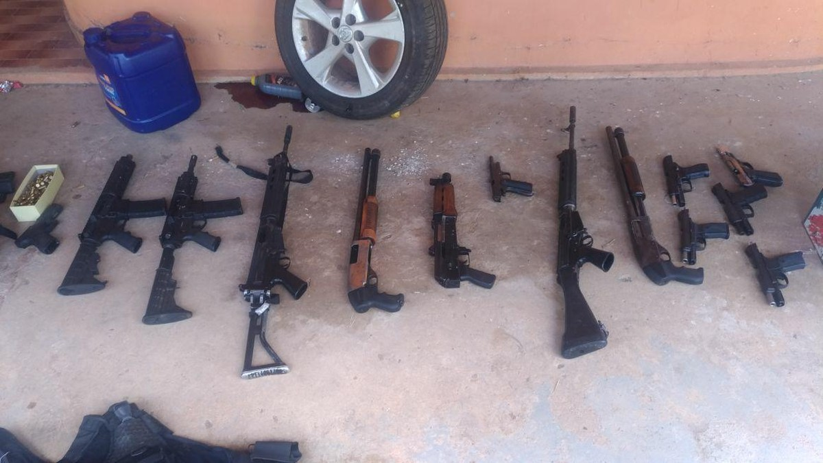 Arsenal é apreendido e quatro são presos após explosão de caixas eletrônicos em Piumhi