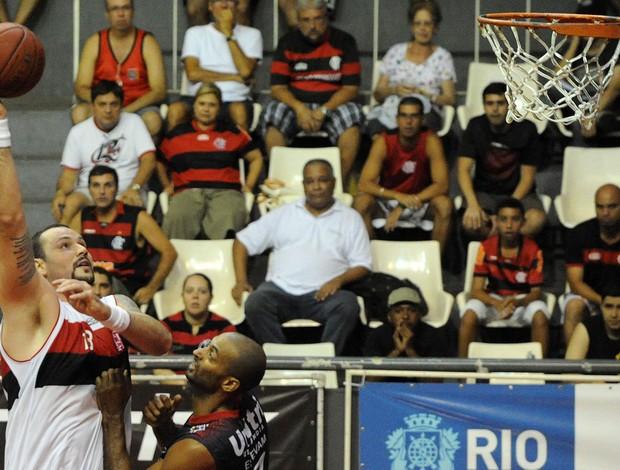 Basquete: Shilton e Caio Torres apontam defesa forte como arma na vitória do Fla