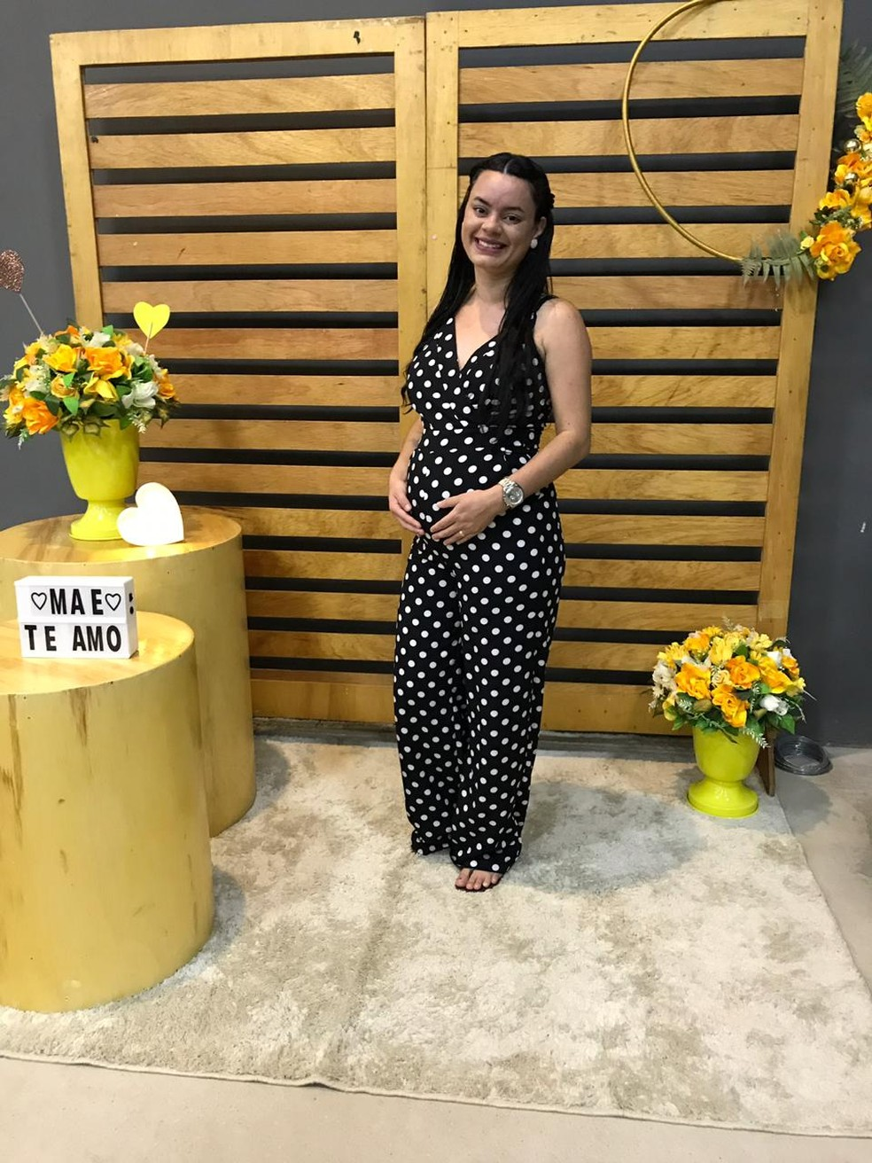 Ludimila tem endometriose, tinha dificuldades para engravidar e está no sétimo mês da gestação — Foto: Arquivo pessoal