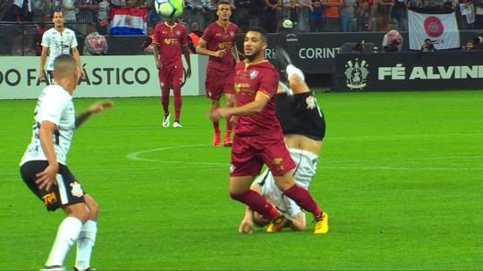 Com dores, Henrique fará tratamento para defender o Corinthians na Argentina