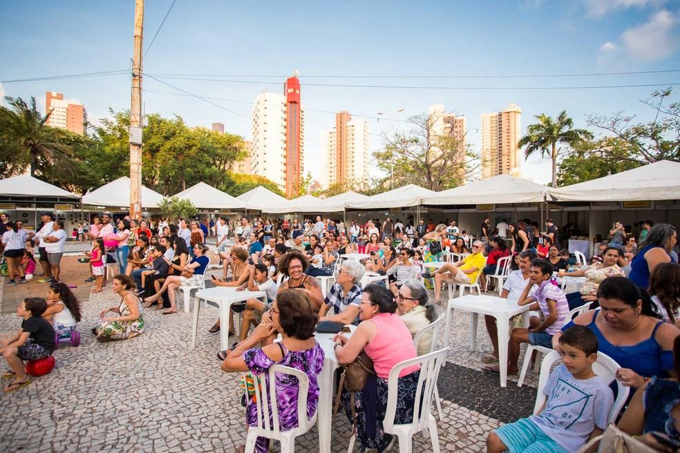 Edição de dezembro do Mercado das Pulgas acontece no sábado na Praça Cívica de Natal — Foto: Divulgação