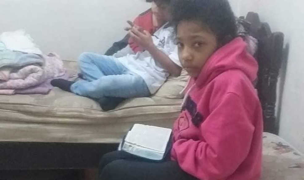 Clara Regina morreu após ser espancada. Suspeita do crime é a própria mãe, segundo a polícia — Foto: g1 Santos