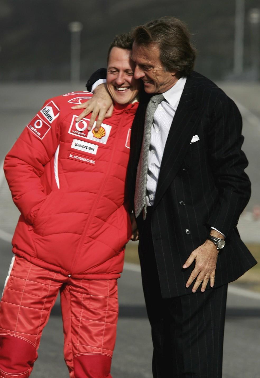 Michael Schumacher e Luca di Montezemolo em 2006 — Foto: Getty Images