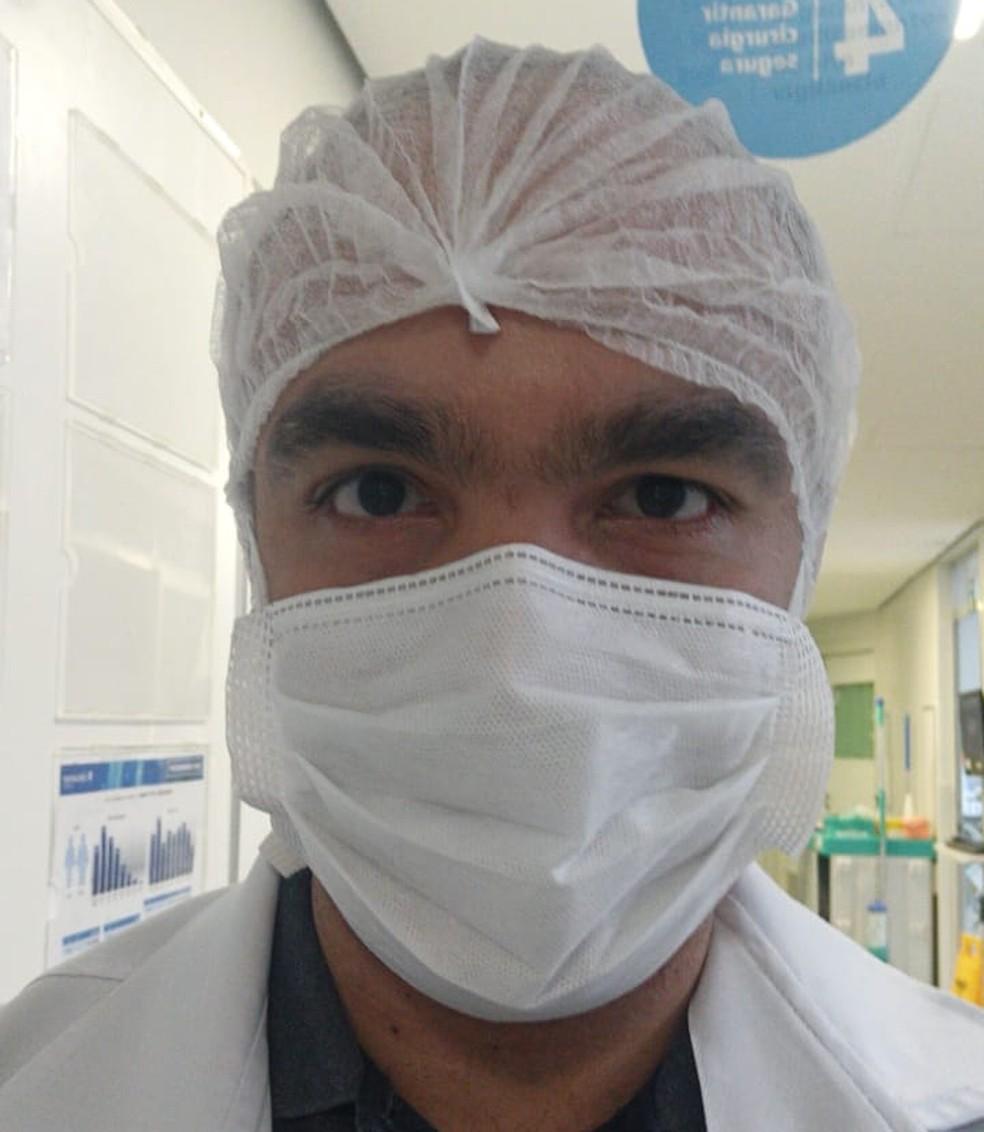 Infectologista Guilherme Lima relembra atendimentos de pacientes que usaram medicamentos ineficazes para combate Covid-19, em BH. — Foto: Arquivo pessoal