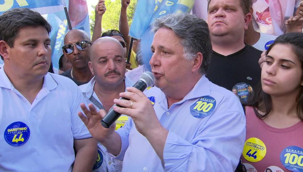 O candidato Anthony Garotinho durante ato de campanha em Seropédica (RJ) nesta quarta-feira (26) — Foto: Reprodução/TV Globo