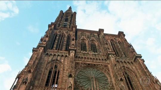 Mais de cem igrejas da França fazem homenagem à catedral de Notre-Dame