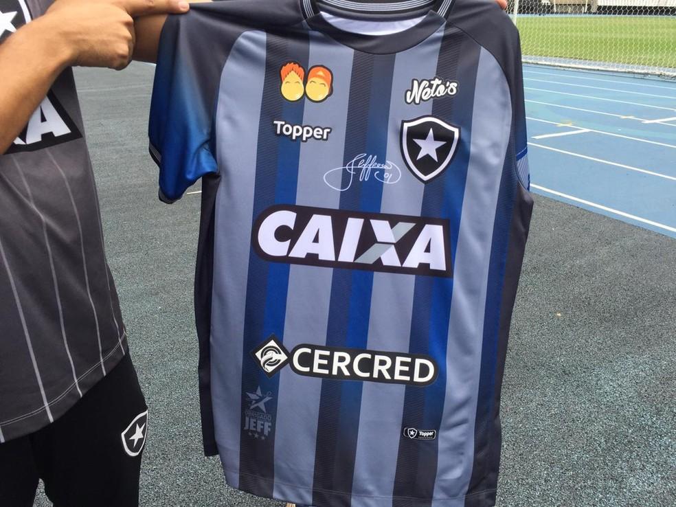 0a9f23f3ac Botafogo lança camisa especial para a despedida de Jefferson  em ...