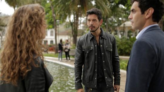 Elenco comenta beijão de Isabel em Marcelo diante de Alain; veja bastidores