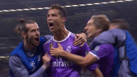 Marcelo e Sergio Ramos levantam taça da Champions e abrem a festa em Madri
