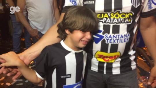 """Festa e decepção: veja as reações da torcida do Central na """"Fan Fest Matuta"""""""