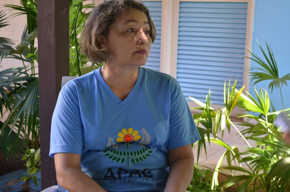 Coordenadora pedagógica da Apae em Santarém, Denise Sá (Foto: Geovane Brito/G1)