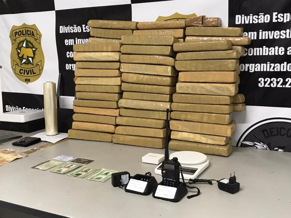 Droga foi apreendida durante operação da Polícia Civil na Zona Norte de Natal. — Foto: Kleber Teixeira/Inter TV Cabugi