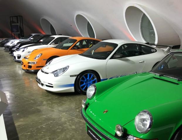 Na exposição da Porsche, a família RS de esportivos é representada desde 1973 a 2016 (Foto: Marcus Vinícius Gasques)