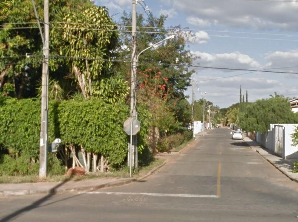 Conjunto onde fica casa no Lago Norte em que mulher se engasgou com banana (Foto: Reprodução/Google)