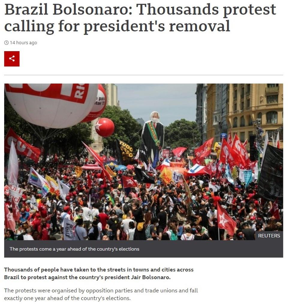 Reprodução de imagem de reportagem do site da BBC sobre protestos contra Bolsonaro em 2 de outubro de 2021 — Foto: Reprodução/BBC
