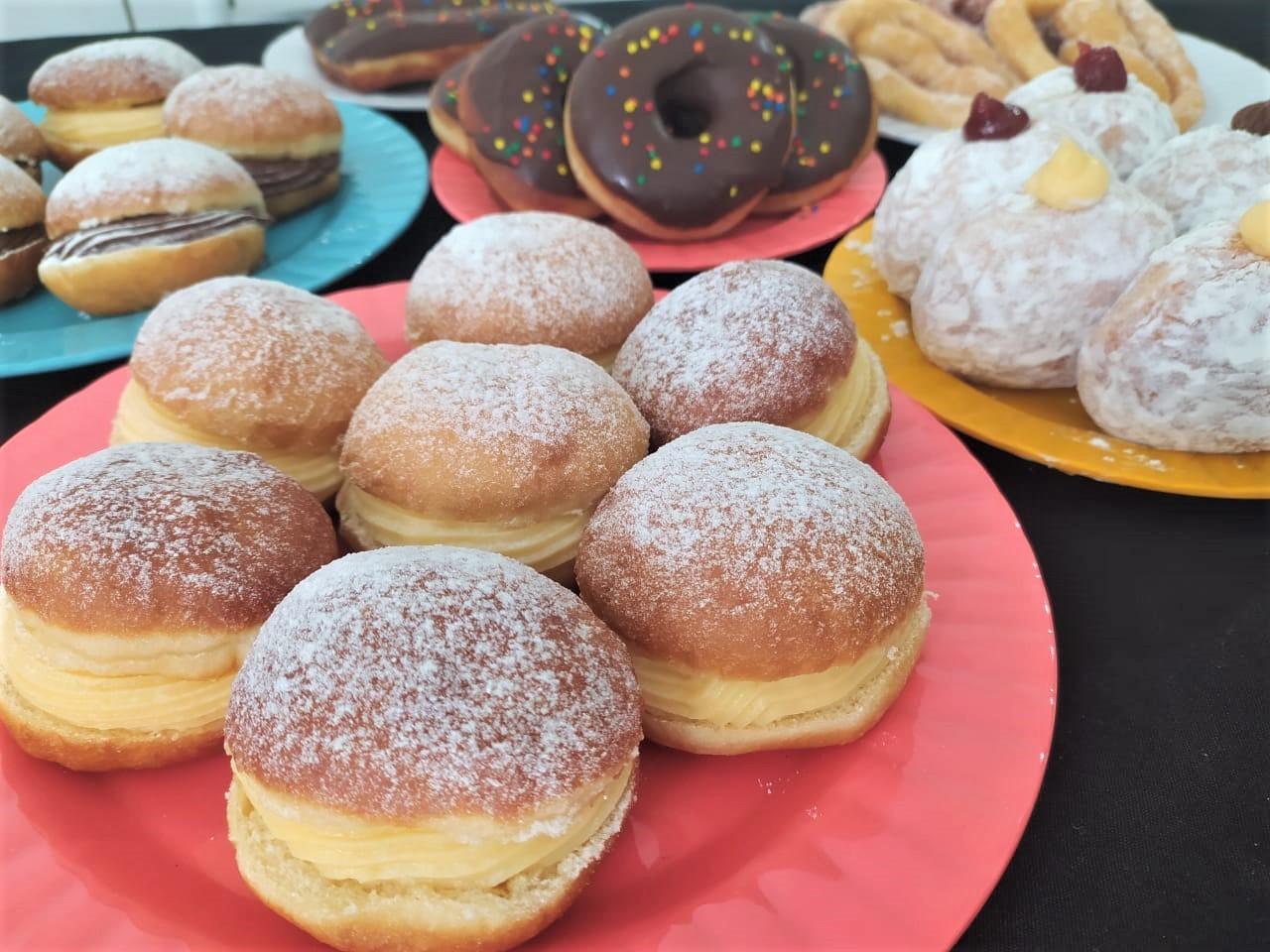 Sonho de padaria com recheios diferentes pode ser feito em casa; aprenda