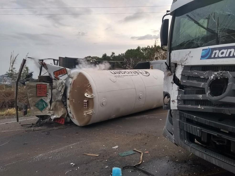 Nitrogênio em gás começou a vazar após acidente em Concórdia — Foto: Alex Pacheco/Atual FM