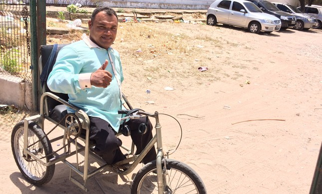 Márcio Alves da Silva alertou Inep sobre deficiência, mas sala não estava preparada para recebê-lo