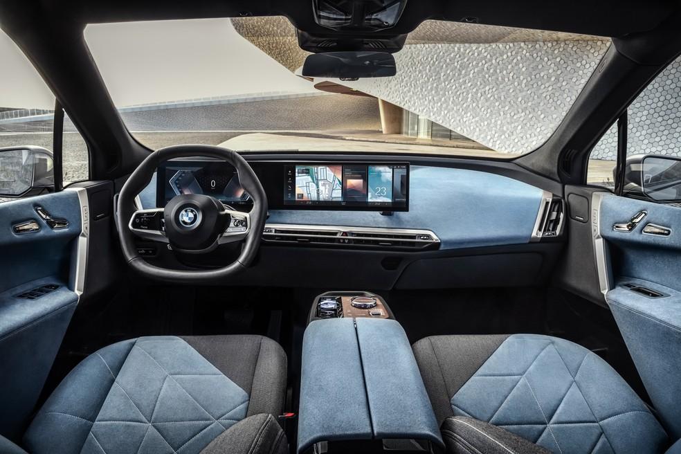 Interior do SUV elétrico apresenta visual minimalista — Foto: Divulgação