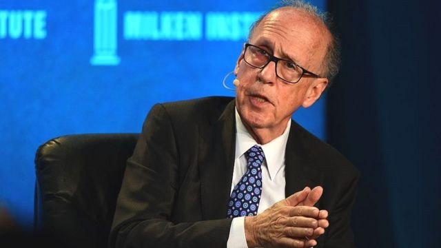 Stephen Roach, professor da Universidade de Yale e ex-presidente do banco de investimentos Morgan Stanley na Ásia, prevê queda de 35% do dólar até o final de 2021 (Foto: Getty Images via BBC)