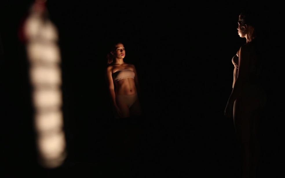 Cena do curta-metragem 'Saia de boneca', da diretora Vanessa Cunha, do Rio de Janeiro (Foto: Festival Taguatinga de Cinema/Divulgação)