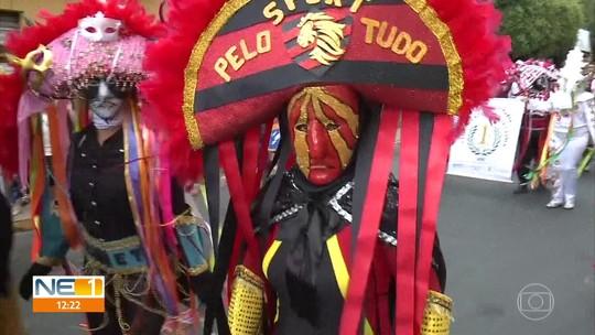 Caretas fazem a festa dos mascarados em Triunfo