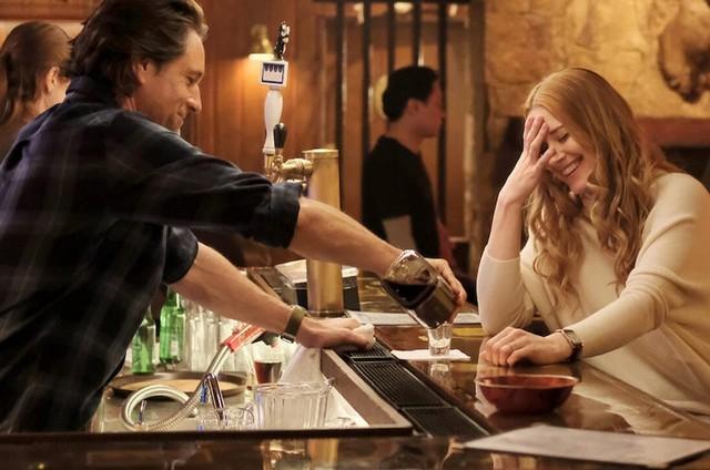 Martin Henderson e Alexandra Breckenridge em 'virgin River' (Foto: Divulgação)